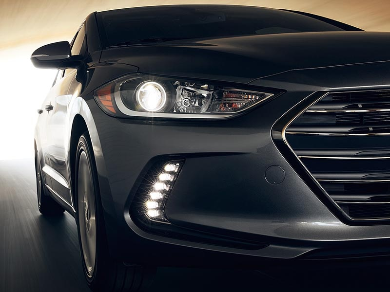2017 Hyundai Elantra headlights and foglights