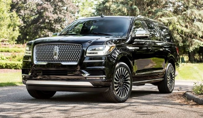 2019 Lincoln Navigator Vs Cadillac Escalade Mckie Lincoln