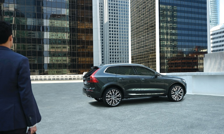Grey 2019 Volvo XC60 Parked