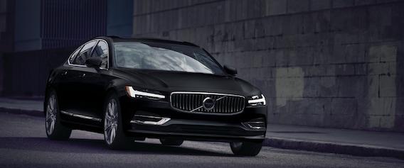 2019 Volvo S90 Trims: Momentum vs  Inscription