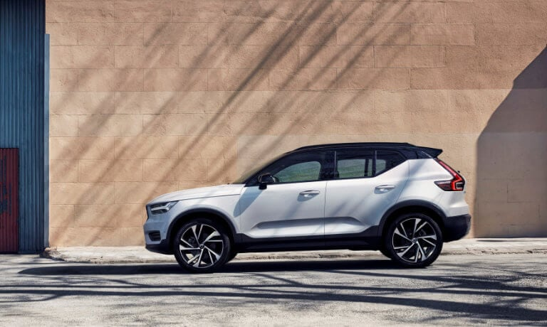 2021 Volvo XC40 parked against a brick wall