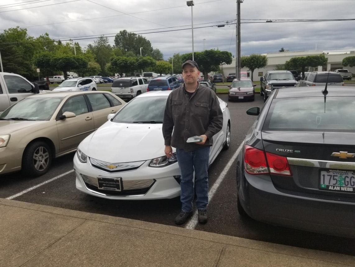 Car Buyer purchases a Brand-New Chevy Volt at Mcloughlin Chevrolet