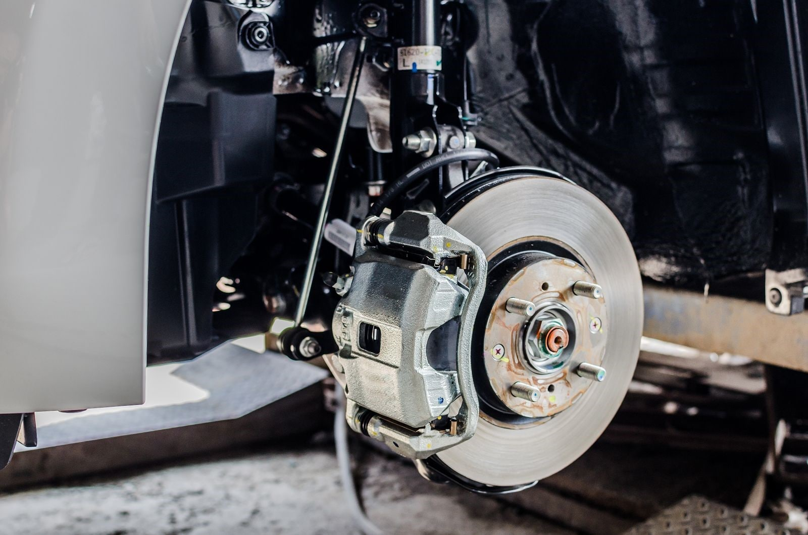 Experiencing These Problems? Time to Service or Replace Your Brakes