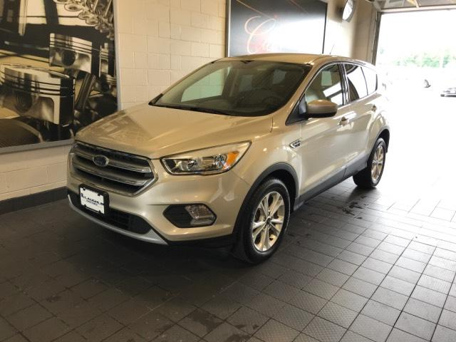 2017 Used Ford Escape SE FWD For Sale in Moline IL | Serving Quad Cities,  Davenport, Rock Island or Bettendorf | S191030A