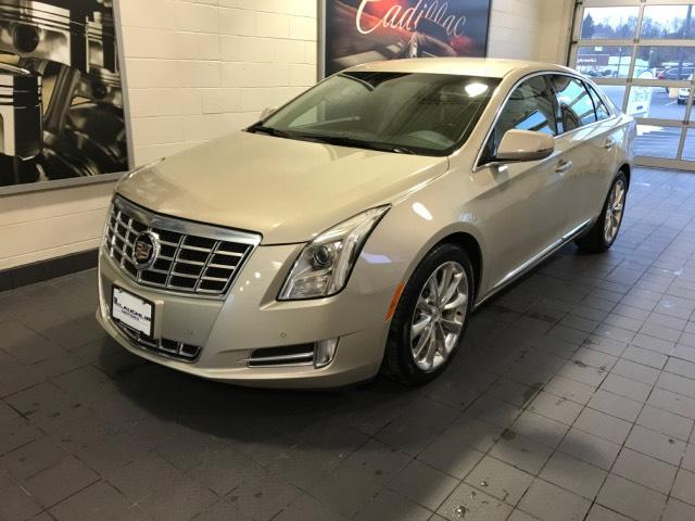 2013 Cadillac XTS 4dr Sdn Luxury FWD Car