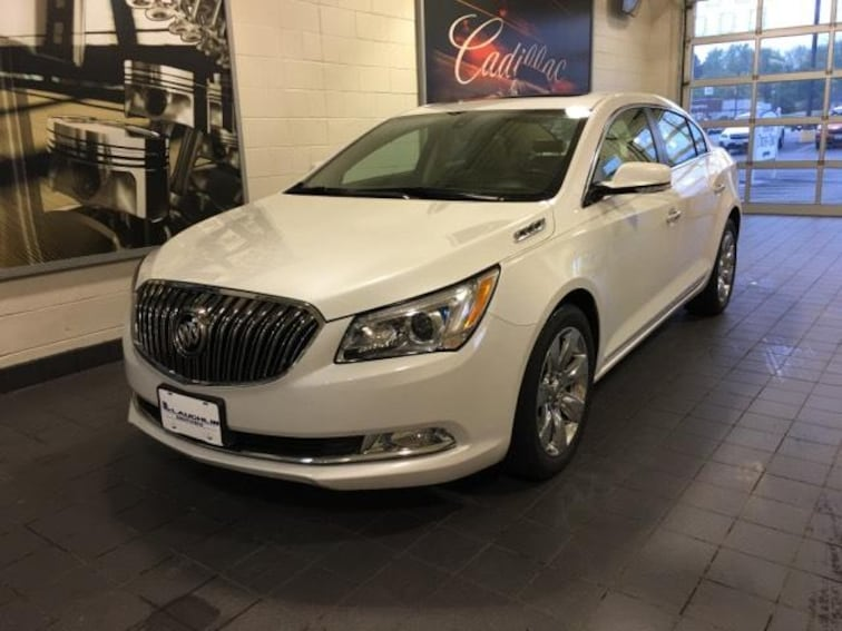Used 2016 Buick Lacrosse 4dr Sdn Leather FWD Car Molina IL