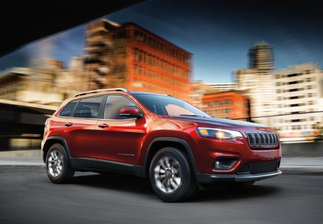 new 2019 jeep Cherokee in the city