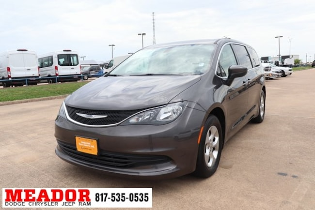Used 2017 Chrysler Pacifica LX Van in Fort Worth, TX