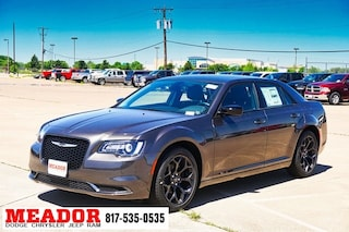 New 2019 Chrysler 300 TOURING Sedan for sale in Fort Worth TX
