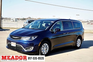 New 2019 Chrysler Pacifica TOURING PLUS Passenger Van for sale in Fort Worth TX