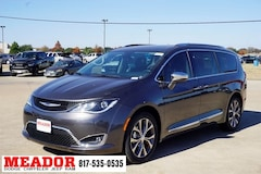 New 2019 Chrysler Pacifica LIMITED Passenger Van 2C4RC1GG5KR589062 in Fort Worth, TX