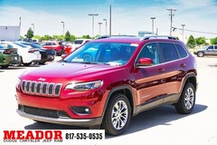 New 2019 Jeep Cherokee LATITUDE FWD Sport Utility 1C4PJLCB6KD428564 in Fort Worth, TX