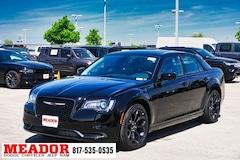New 2019 Chrysler 300 TOURING Sedan for sale in Fort Worth, Texas