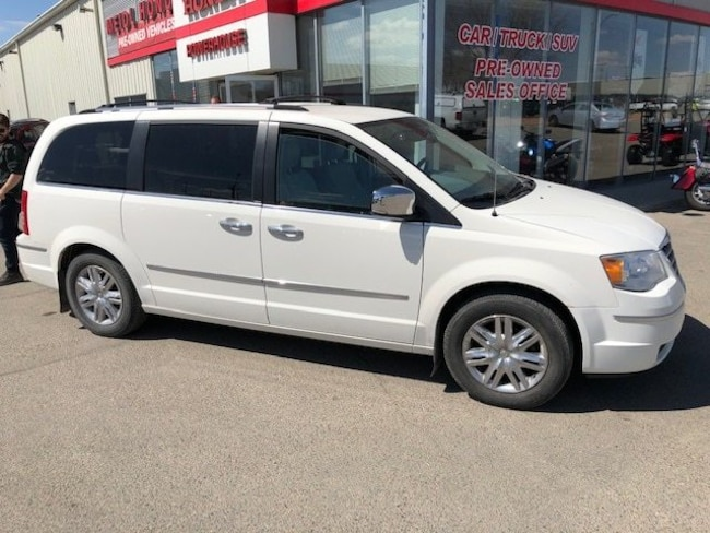 2009 Chrysler Town & Country Limited Minivan
