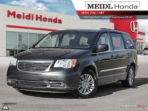 2016 Chrysler Town & Country Touring-L *No Collisions* Van