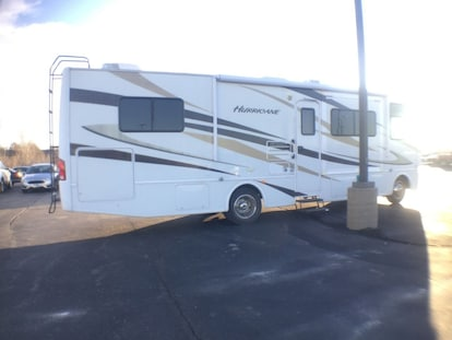 Used 2011 Ford F-53 Motorhome Chassis For Sale at Mel