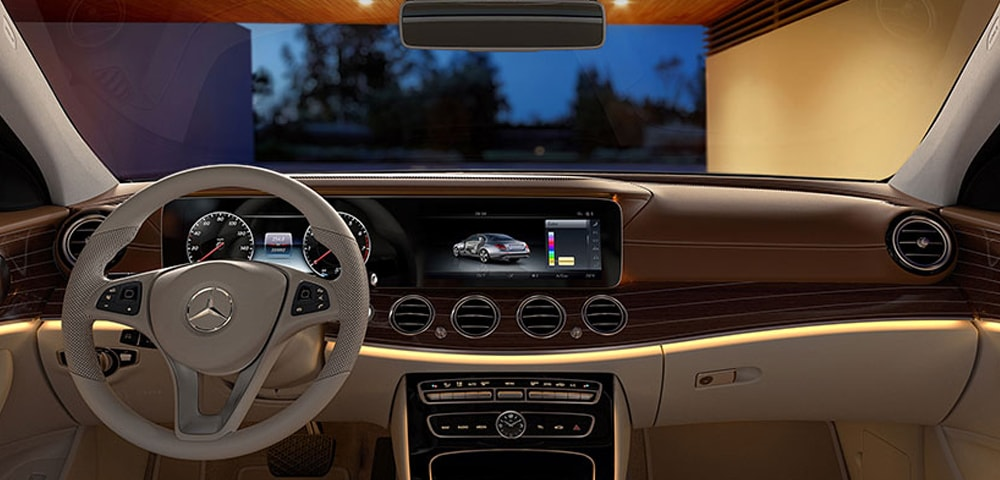 Interior photo 2018 Mercedes-Benz E-Class