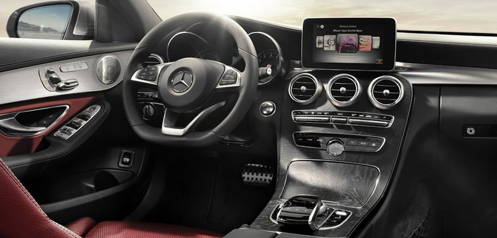 Interior photo 2018 Mercedes-Benz C-Class