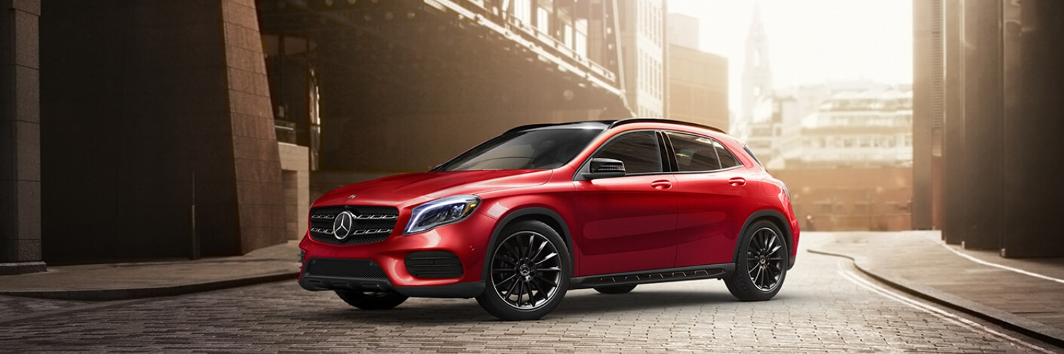 2020 Mercedes-Benz GLA 250 SUV hero image background
