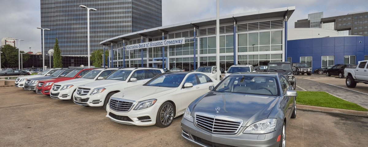 Exterior view of Mercedes-Benz of Houston Greenway
