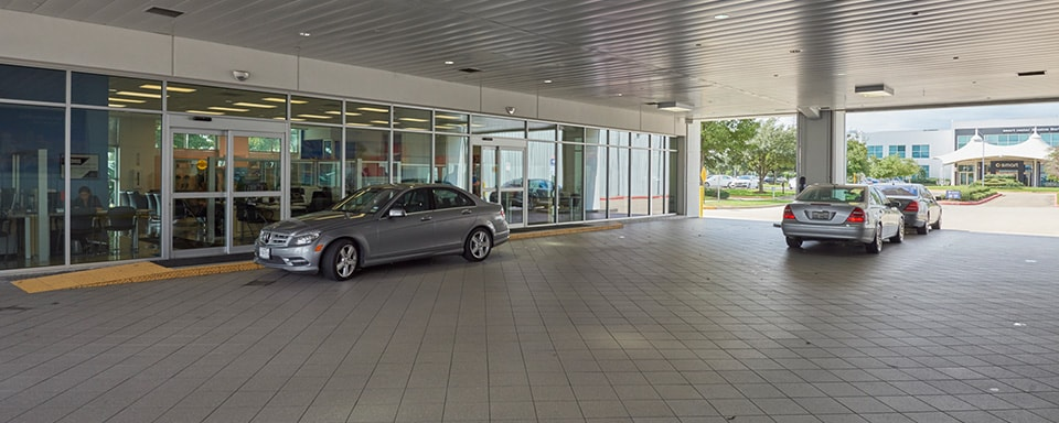 Mercedes-Benz of Houston North service center entrance