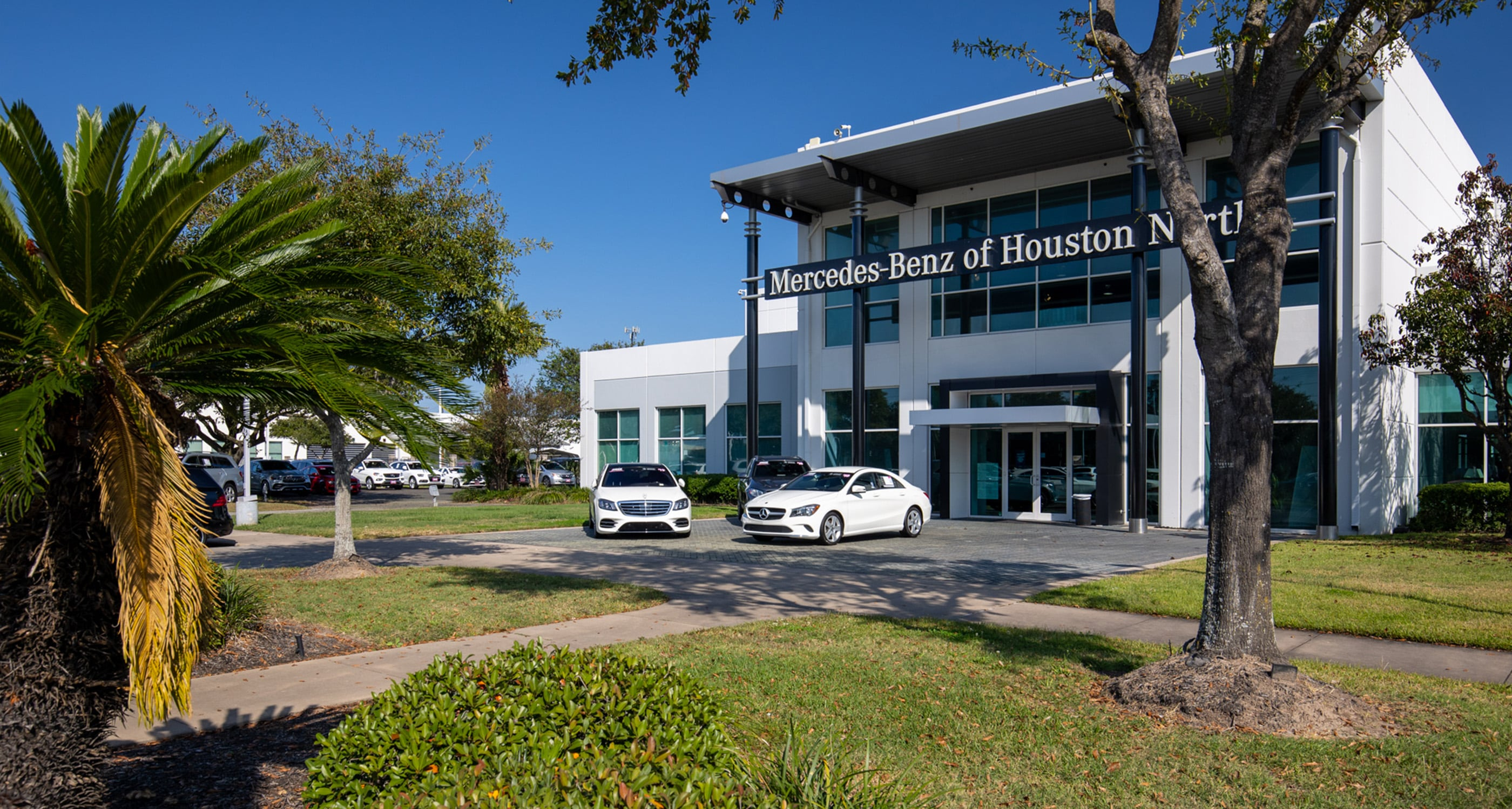 Outside view of Mercedes-Benz of Houston North