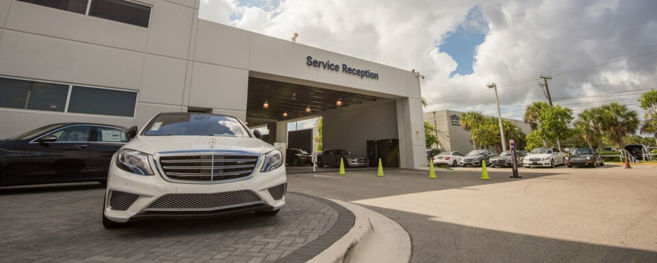 Mercedes-Benz of Miami service center entrance
