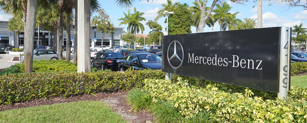 Exterior view of Mercedes-Benz of Pembroke Pines serving Fort Lauderdale