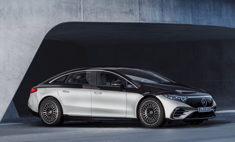 2022 Mercedes-Benz EQS silver/black