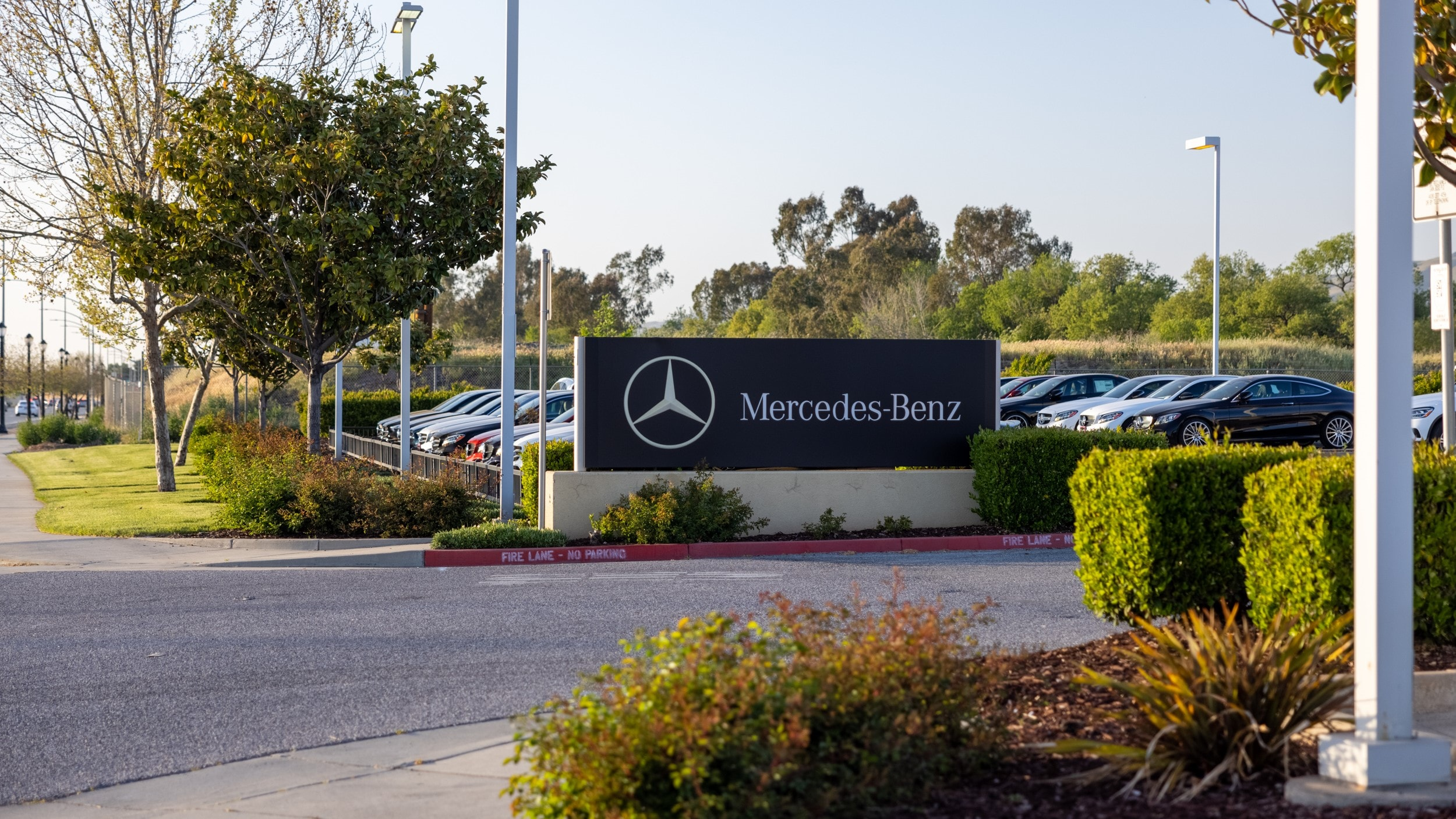 Outside view of Mercedes-Benz of San Jose