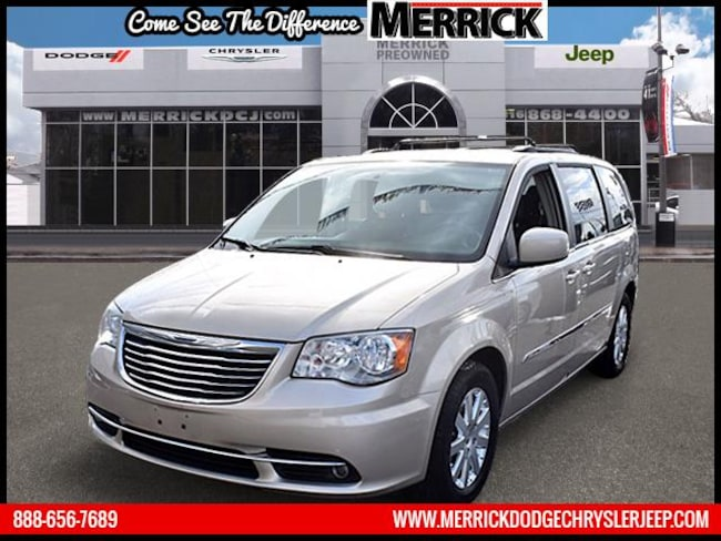 Used 2013 Chrysler Town & Country Wgn Touring Mini-van, Passenger For Sale in Wantagh, NY