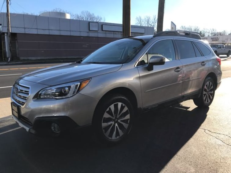 Used 2016 Subaru Outback 2.5i Limited SUV Huntington