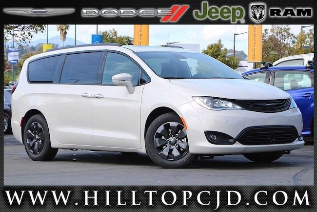 New 2019 Chrysler Pacifica Hybrid LIMITED Passenger Van in Richmond, CA