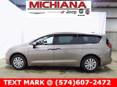 New 2018 Chrysler Pacifica L Passenger Van near South Bend & Elkhart