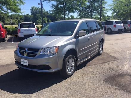 2015 Dodge Grand Caravan Amerivan 14