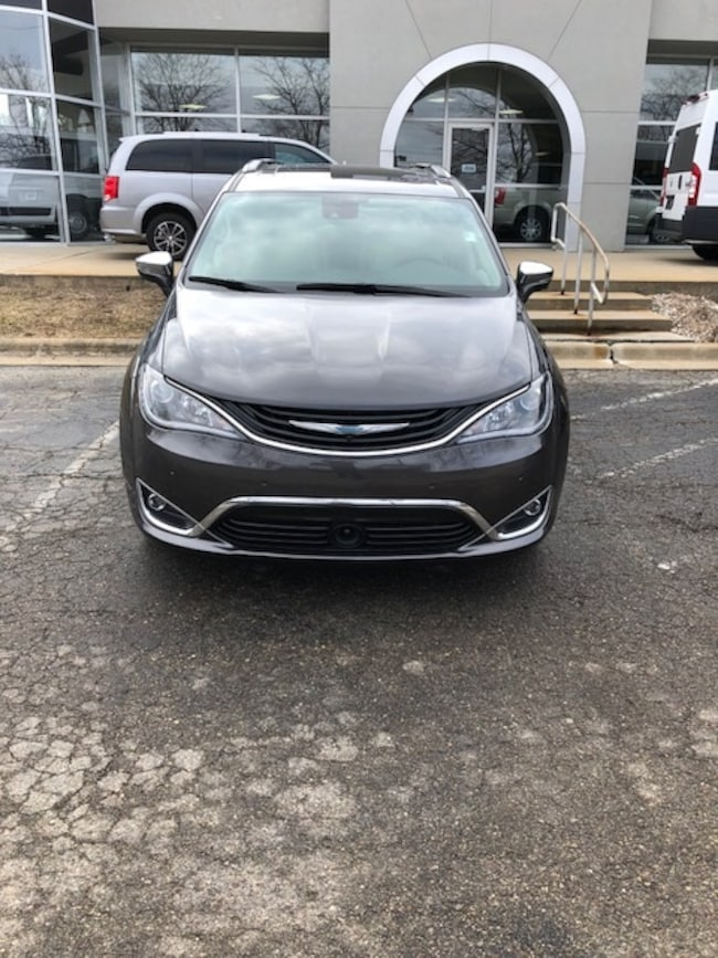 Used 2017 Chrysler Pacifica Hybrid For Sale In Clarkston Mi Near