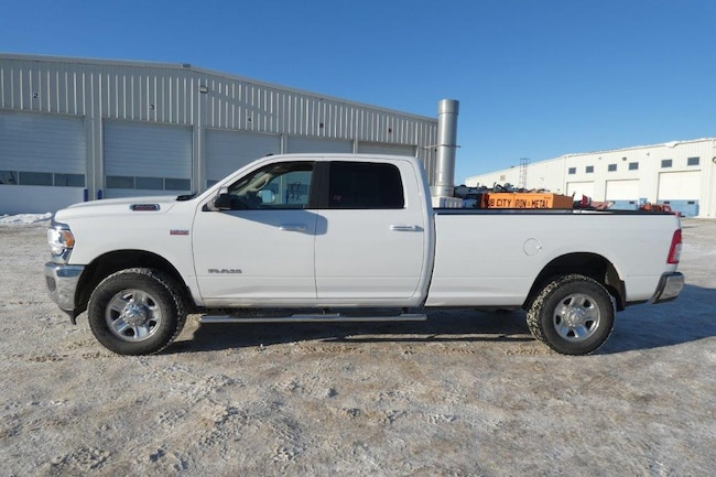 2019 Dodge Ram 2500 Big Horn 6.4L HEMI w/Power cloth, 8' box, run.brds Truck Crew Cab