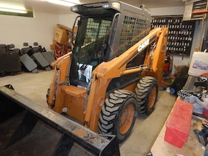 2008 Case 410 Skidsteer W/ Htd Cab, Stereo, Snow Bucket, 150Hour