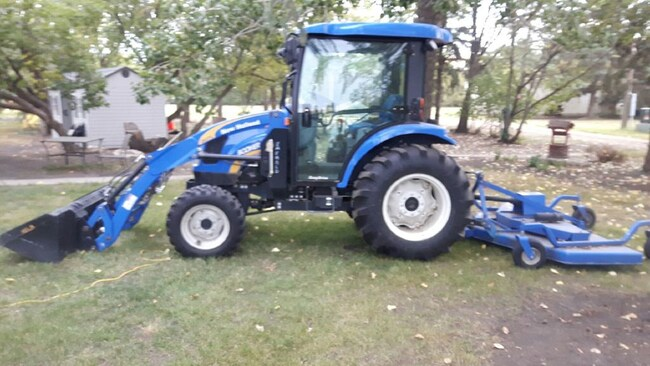 2011 New Holland Boomer 3040 W/ Front End Loader, 72
