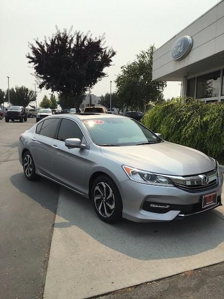 2017 Honda Accord EX-L w/ Navigation & Honda Sensing Sedan
