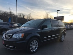 2014 Chrysler Town & Country Touring Minivan/Van in Auburn MA