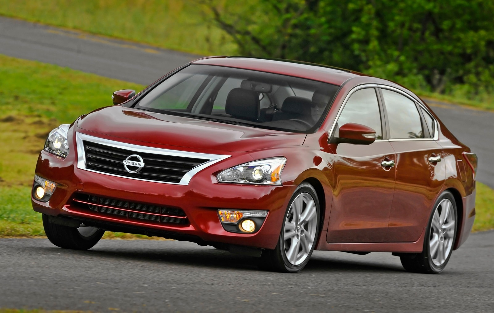 Midway Nissan Kelley Blue Book Names 2014 Nissan Altima One Of