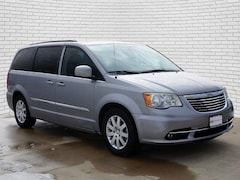 2014 Chrysler Town & Country Touring Van for sale in Hutchinson, KS at Midwest Superstore