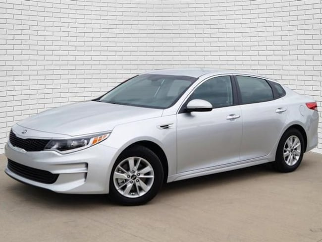 2018 Kia Optima Sedan for sale in Hutchinson, KS at Midwest Superstore