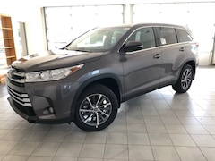 2019 Toyota Highlander SE SUV for sale in Hutchinson, KS at Midwest Superstore
