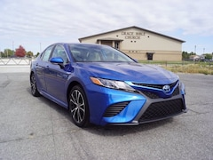 2020 Toyota Camry Hybrid SE Sedan for sale in Hutchinson, KS at Midwest Superstore