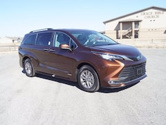 2021 Toyota Sienna XLE 7 Passenger Van for sale in Hutchinson, KS at Midwest Superstore
