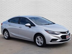 2018 Chevrolet Cruze LT Sedan for sale in Hutchinson, KS at Midwest Superstore