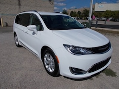 2018 Chrysler Pacifica Touring L Van Passenger Van Logansport IN
