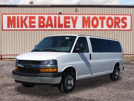 2019 Chevrolet Express Passenger LT 3500 LT 3500  Extended Passenger Van